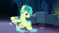 Sandbar spills watering can on the ground S9E3