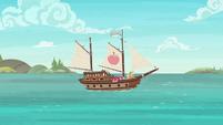 Ship sets sail in Applejack's story S6E22