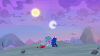 Sun and moon shifting wildly in the sky S9E13