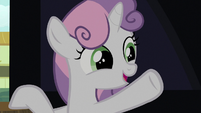 Sweetie Belle alerting her friends S8E12