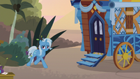 Trixie coming out of the bushes S8E19