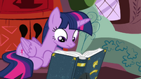 Twilight reading a book S4E21