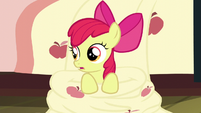 Apple Bloom sitting on her bedroom floor S5E4