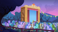 Crowd of ponies watching Snips and Snails S1E18