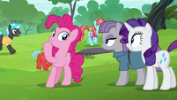 Pinkie Pie --there are swan boats-- S6E3