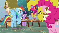 "Rainbow Dash ""it's Opposite Day?"" S7E23"