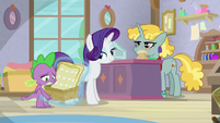Rarity and Spike in the checkout line S9E19