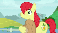 Bright Mac notices Pear Butter looking at him S7E13