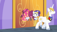 Door slams behind Rarity S1E26