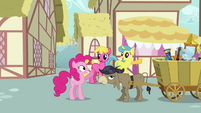 Pinkie waving at Lemon Hearts and Cherry Berry S2E18