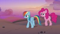 Rainbow and Pinkie walking through the desert S7E18