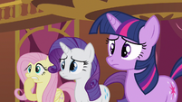 Rarity just watching S3E3