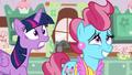 S05E11 Bardzo zdenerwowane Twilight i pani Cake