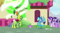 Thorax transforms back to normal S7E15
