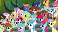 Crowd ponies watching Scootaloo's stunt S8E20