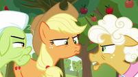 "Goldie ""because Apple Bloom's enjoyin' it!"" S9E10"