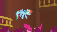 Rainbow drops Pinkie S3E03