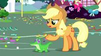 Applejack talking to Gummy S8E18