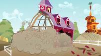 Barn begins to fall apart S3E08