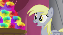 Derpy looking at arrangement of flameless fireworks S5E9