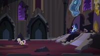 Fluttershy and Rarity in the throne room S4E03