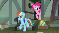 Rainbow and Pinkie enter A. K. Yearling's house S7E18