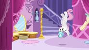 S04E01 Sweetie Belle nie panuje nad swoim rogiem