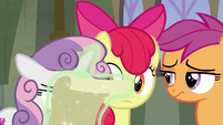 Sweetie Belle adds to Seaquestria's list of cons S8E6