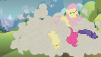 The ponies head for the mountain S1E07