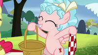 Cozy Glow with an empty picnic basket S8E12
