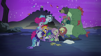 Fluttershy's friends gather around her S5E21