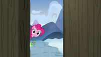 Pinkie and Gummy look inside Yakyakistan S7E11