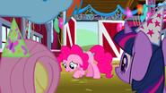 S01E25 Pinkie czuje się winna