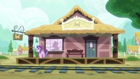 Starlight Glimmer at the Ponyville train station S7E24