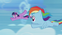 Twilight catches up with Rainbow Dash S5E25