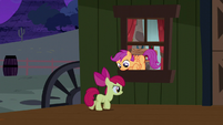 Apple Bloom and Scootaloo sneaking out S5E6