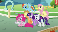Pinkie Pie finds the next clue S5E19