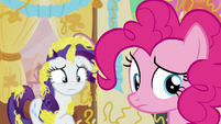 Pinkie Pie looking behind her S7E19