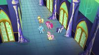 "Rainbow Dash sings ""To make this castle shine"" S5E03"