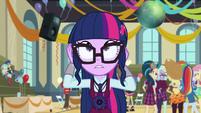 Twilight straightening her hair EG3
