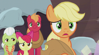 Applejack -the same traditions right away- S5E20