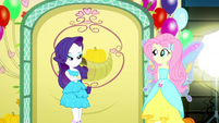 Fluttershy walking up to Rarity SS2