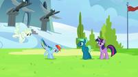Rainbow and Vapor arrive to the same field S6E24
