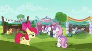 S06E14 Apple Bloom i Sweetie Belle na wzgórzu