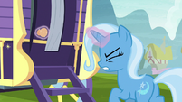 Trixie still struggling with the wagon door S8E19