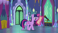 Twilight Sparkle looking over her notes S7E1