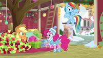 Pinkie Pie has an idea BGES1