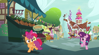 Sugar Belle and CMC evade Spike and Discord S9E23