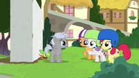 Cutie Mark Crusaders helping Chipcutter S7E6
