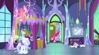 Pinkie bursts into Twilight's bedroom MLPS2